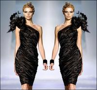 bir omuz küçük siyah elbiseler toptan satış-Zuhair Murad Küçük Siyah Örgün Kokteyl Elbiseleri 2017 Bir Omuz Çiçek Tüyleri Prom Parti Elbisesi Boncuklu Ruffle Elbise Sexy Club Ucuz
