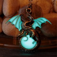 Wholesale Vintage Dragon Necklace - Game Of Thrones Necklace Luminous Dragon Necklace GLOW In The DARK Dragon Amulet Night Light Pendant Sweater Chain Gift Vintage