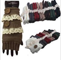 fingerless handschuh handgelenk winter großhandel-Winterhandschuhe Warm Crochet Fitness Handschuhe Damen Lace Button Wrist Warmer Damen Soft White Fingerless Handschuhe Half Finger Glove KKA3143