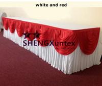настольные юбки красные оптовых-Белая Ледяная Шелковая Юбка С Красным Хабаром \ Красивый Стол Плинтус Для Свадьбы