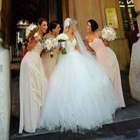 Wholesale Decent Gowns - Classic A Line Decent Wedding Dresses 2017 Hot Sweetrheart Tulle Applique Lace Top Cheap Bridal Gowns Robe de Mariage