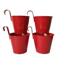 красные садовые цветы оптовых-D14.5XH17.5 СМ красный Металлический подвесной горшок Цветочный Горшок Настенный Крюк Плантатор сад Подвесной Свадебный Ванна Цветочный горшок