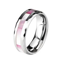 New Arrival Unisex 8mm Width Tungsten Carbide Wedding Band com Pink Shells Inlay para Mulher Lady Prism Design Edge Tamanho 6-12