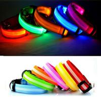 ingrosso cani leggeri-LED di ricarica Collare per cani da compagnia Night Safety LED Light lampeggiante Glow Dog Pet Guinzaglio Collare per cani Lampeggiante Collare di sicurezza S-M-L-XL HH-B18