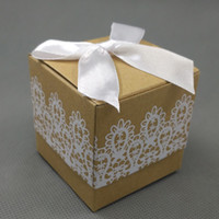 100pcs Kraft Paper Candy Favor Box White Demoisier en dentelle Wedding Party Baby Shower Gift Boxes Faovrs Nouveau
