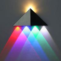 éclairage mural coloré achat en gros de-5W Triangle LED Applique Murale LED Couloir Lumière En Aluminium Applique Décorative Rétro-Éclairage Balcon Lumières Multicolore Lumière 1 PC