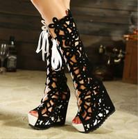 botas abiertas de la plataforma del dedo del pie al por mayor-Nuevas mujeres Hollow Knee High gladiador vendaje botas sexy recorte punta abierta botas plataforma cuñas sandalias botas de tacones altos bombas de las mujeres zapatos