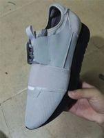 hombres mocasines grises al por mayor-2017 mocasines de diseño de lujo marca de diseño hombres del cuero genuino ZAPATOS PARA HOMBRE Carrera Participantes MUJERES zapatos del patín NEGRO ÚNICO para mujer todo gris