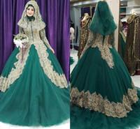 modern uzun elbiseler çevrimiçi toptan satış-Müslüman Toptan Balo Gelinlik Online Altın Başörtüsü Gelinlikler ile Altın Dantel Aplikler ile Uzun Kollu Satış