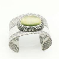 pedras preciosas amarelas venda por atacado-1 pc pedra natural de pele de cobra de alta qualidade amarelo verde pulseira gem charme pulseira de couro de cristal jóias