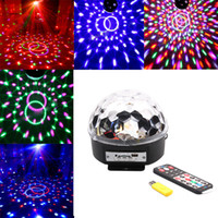 Grossiste- Professional Voix Cotrol stade lumière MP3 IR Remote Digital RVB LED Crystal Magic Ball DI Party Lumière de scène Disco Sound Active