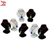 gösterge için ahşap standlar toptan satış-7 Adet Mini Takı Ekran Büstü Beyaz PU Kolye Tutucu Siyah Kadife Manken Kolye Raf Standı Ahşap Kolye Modeli 11 cm