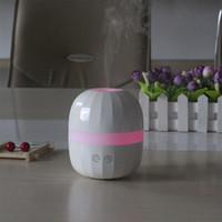 ingrosso luce di mini dimensioni ha condotto-Umidificatore ad ultrasuoni dell'aria dell'aroma dell'aria di dimensione portatile di viaggio con le luci notturne variopinte del LED Diffusore dell'olio essenziale dell'aroma di CC 5V 100ML