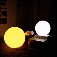 Vente en gros - 60cm Rechargeable sans fil sans fil LED Lighted Lawn Ball Couleur Changing Plastic Télécommande Sphere vanity lights