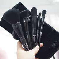 Wholesale Soft Black Velvet Pouch - IT Cosmetics Brushes for ULTA Experience Velvet Blurring Ultimate Luxe Set - Soft Hair 5-pieces with pouch - Beauty Makeup Brushes Blender
