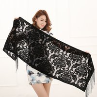 Wholesale New Hot Colors Floral Print Velvet Scarf Winter Burnout Muslim Hijab Wrap Gift For Women Lovers