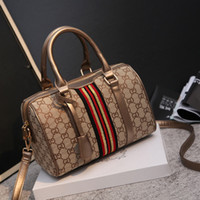 Wholesale Noble Classic - 2017 fashion Boston classic ladies handbag noble women shoulder bag and big Xiekua package light luxury goods printed pillow bag