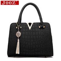 Wholesale Ladies Fringed Handbags - uggage Bags Handbags Crocodile leather Women Bag V letters Designer Handbags Luxury quality Lady Shoulder Crossbody Bags fringed women M...