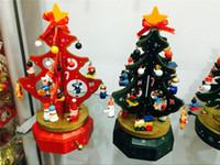rosa holz preis großhandel-Weihnachtsgeschenke High-Grade-Holz rotierenden Musik Weihnachtsbaum Einrichtung Artikel Spieluhr Geschenk Großhandelspreis zu verkaufen