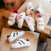 Wholesale Brown Wholesale Skates - HOT 2017 Fashion Shoe Girls Boys Leisure Skate Shoes Skateboarding Big Children Kids Casual Sneakers Striped White Shoes 4 Colors A7193