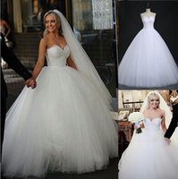 Wholesale Plus Size White Formal Gown - fashion Beads Crystal White Ivory Wedding Dress for brides plus size formal sweetheart Bride Gown For Sale
