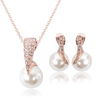 Wholesale Em Wholesale - Bridal pearl necklace earrings set of European and American Wedding Jewelry banquet is suitable for tourism commemorative wedding em acc221