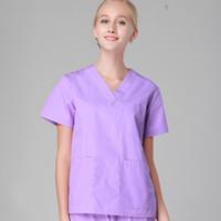 ingrosso uniformi scrub-Donne uomini clinica ospedale medico workwear scrub set da salone di bellezza vestiti dell'abito medica Tuta medica uniforme top + pantaloni viola infermiera