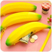 Cute Novelty Banana Coin Pencil Case Purse Mulheres Lady Yellow Silicone Pen Money Bag Wallet Key Pouch Pocket Kids Christmas Promoção Gift