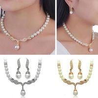 conjuntos de collar de boda de diamantes de imitación al por mayor-Conjunto de la joyería de la novia Crystal Rhinestone perla colgante, collar Stud Earrings Set mujeres Dama de honor del partido