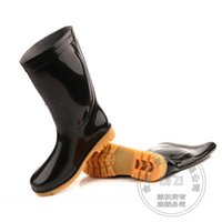 Wholesale Leather Pull Boots - Pull On Black Warmth Cotton Padded Solid Color Mens Rubber Rain Boots Slip Resistant Round Toe Patent Leather Tie Up Wading
