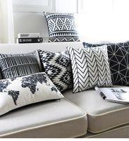 ingrosso mappa bianca nera-Copri cuscino decorativo in velluto con motivi geometrici in colori assortiti