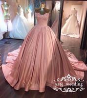 volantes de encaje rosa al por mayor-2018 Soft Pink Ball Gown Vestidos de baile Sweetheart Lace Ruffled Satin Corset Dusty Rose Vestidos de quinceañera Sweet 16 vestidos Vestidos de noche