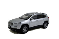 Big Sale Brand New Alloy Diecast Modell Car для Jeep Cherokee 1 18 Шкала Vehical Collection Toys оптом и в розницу от PaudiModel