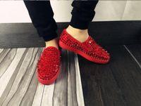 los zapatos claveteados liberan el envío al por mayor-Venta al por mayor Los nuevos hombres mezclan los picos negros de cuero genuino bajos superiores superiores rojos zapatillas de deporte, zapatos de deporte de skate de marca de moda 36-47 envío gratis