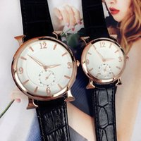 ingrosso orologio d'oro femminile-La vigilanza di modo di cuoio della signora di modo caldo di vendita 2016 guarda le donne nere Orologi da polso d'oro di marca femmine trasporto libero orologio
