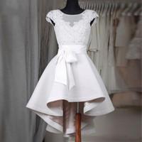 jóias de vestido de baile branco venda por atacado-Elegante Curto Branco Vestidos Homecoming 2017 A Linha de Jóia Sem Mangas Rendas Espartilho Ruffles Saia Prom Dress Formal Vestidos