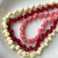 natürliche rosa koralle großhandel-Roter rosa weißer natürlicher Seekorallen-Edelstein-Distanzscheiben-lose Korne auf zeitweiligem Strang Rose Flower Coral Fit Jewelry DIY