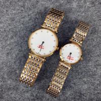 relógios para homens cor de ouro venda por atacado-Alta Qulity Mulheres / Homem de Luxo Relógio de Ouro / Prata cor de aço Inoxidável Quartz Sapphire vidro Japão Movimento Amante relógio de pulso lady Dress Watch