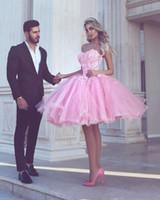 sevgilim tül pembe kısa elbisesi toptan satış-2019 Sevgiliye Kısa Pembe Boncuklu Homecoming Parti Elbiseler Gençler için Tül Puf Kokteyl Parti Elbise Tatlı 16 Balo Mezuniyet Elbisesi