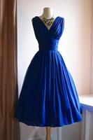 ingrosso abiti da cerimonia nuziale blu royal-Lunghezza vintage del tè Abiti da sposa in chiffon blu increspato degli anni '50 Abiti da sposa anni '60 corti e colorati Abiti da sposa non bianchi su misura
