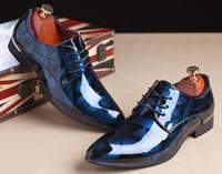 mens gemusterte anzüge großhandel-Männer Kleid Schuhe Krokodil Muster Elegante Herren Formelle Schuhe Leder Klassische Designer Anzug Schuhe Für Hochzeit rot Lederboden