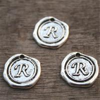 r письмо серебряный оптовых-15 шт.-буква R алфавит прелести, античный Тибетский серебряный тон алфавит письмо R очарование кулон 18x18mmqaq