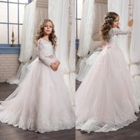 2017 Cute Princess Sheer Maniche lunghe Flower Girls 'Dress Appliques in pizzo Baby Pink A-line Girocollo Kids Formal Wear con fiocco Bow
