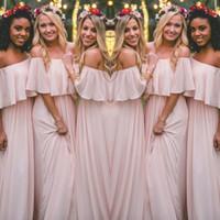 ingrosso abito di promenade increspato arrossisce-Ultimi Blush Pink Bohemian-Style abiti da damigella d'onore Sexy arruffato off spalla in chiffon lunghi abiti da ballo economici Pretty Party Dress For Weddings
