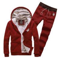 gefüttertes sweatshirt großhandel-Mode Neu kommen Winter Trainingsanzüge mit Kapuze Männer männlichen Hoodies Anzüge Fell Futter Jacke Hosen Sweatshirt Set Plus Größe