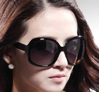 Wholesale Cheap Polarized Sunglasses Wholesale - Womens Most Cheap Hot sale Modern Recreational Sunglasses Classic Style Sunglasses Oversized frame Easy to match Sunglasses