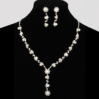 Wholesale Locking Rings Necklace - Dazzling Bridal Wedding Dresses Jewelry Necklace Sets With Erring Drill Flower Necklace Stock Pearls Necklace Bridal Accessories CPA795