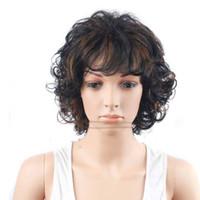 peluca rizada corta venta al por mayor-Las pelucas cortas sintéticas para las mujeres ponen en cortocircuito las pelucas baratas rizadas para las mujeres pelucas rizadas del pelo natural