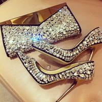 Glamorous Point Toes Clear Rhinestone Crystal Covered Thin Bombas de salto alto Stiletto Ladies Women's Wedding Pumps Brides Bridesmaids Shoes