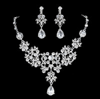 Wholesale Evening Crystal Necklace - Luxury Flower Rhinestones Bridal Jewelry Sets 4 Colors Crystals Wedding Necklaces And Earrings For Bride Prom Evening Party Accessories